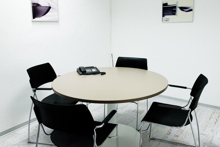 Mesa de reuniones Palbox Holding
