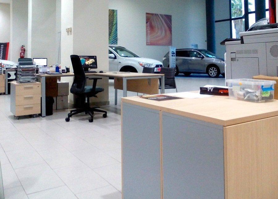 Mesa oficina valencia ofival mitsubishi motors ofival for Mobiliario oficina valencia