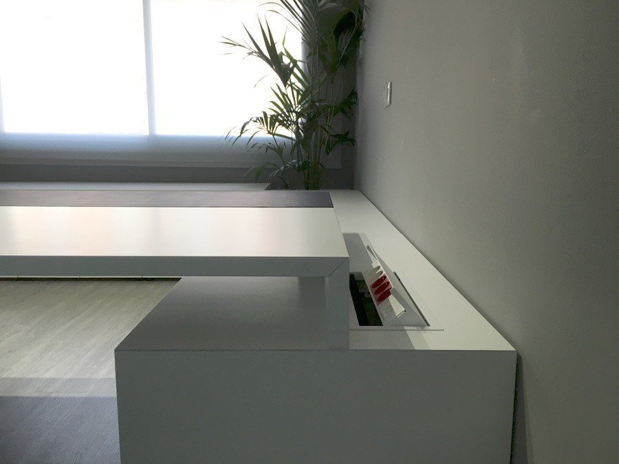 Detalle mesas oficina a medida ofival ofival mobiliario for Medidas mesa oficina