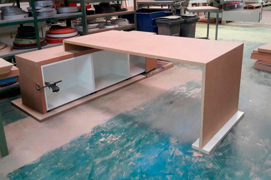 Mesas oficina a medida ofival 02 ofival mobiliario de for Medidas mesa oficina