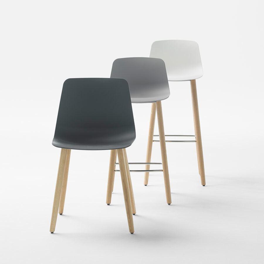 Tuburete y silla Varya pie madera