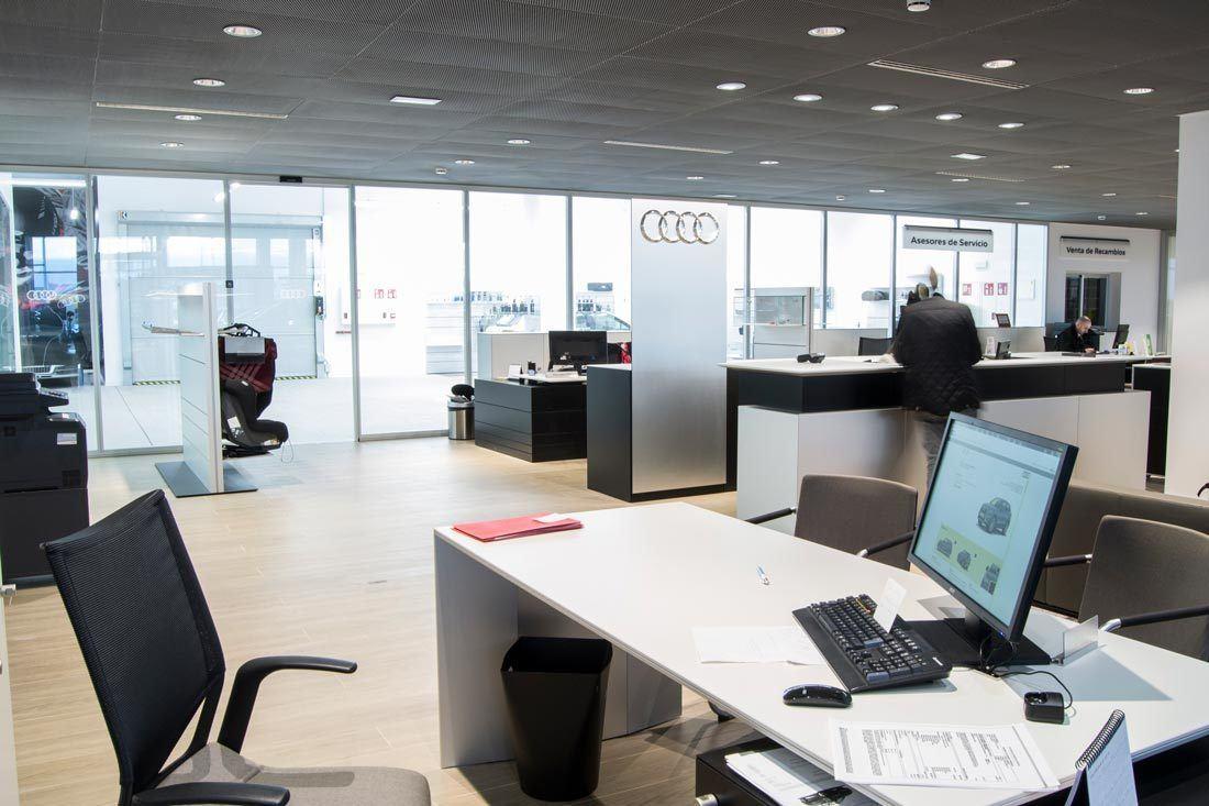 instalaciones-audi-marza-castellon-recepcion-mobiliario-ofival