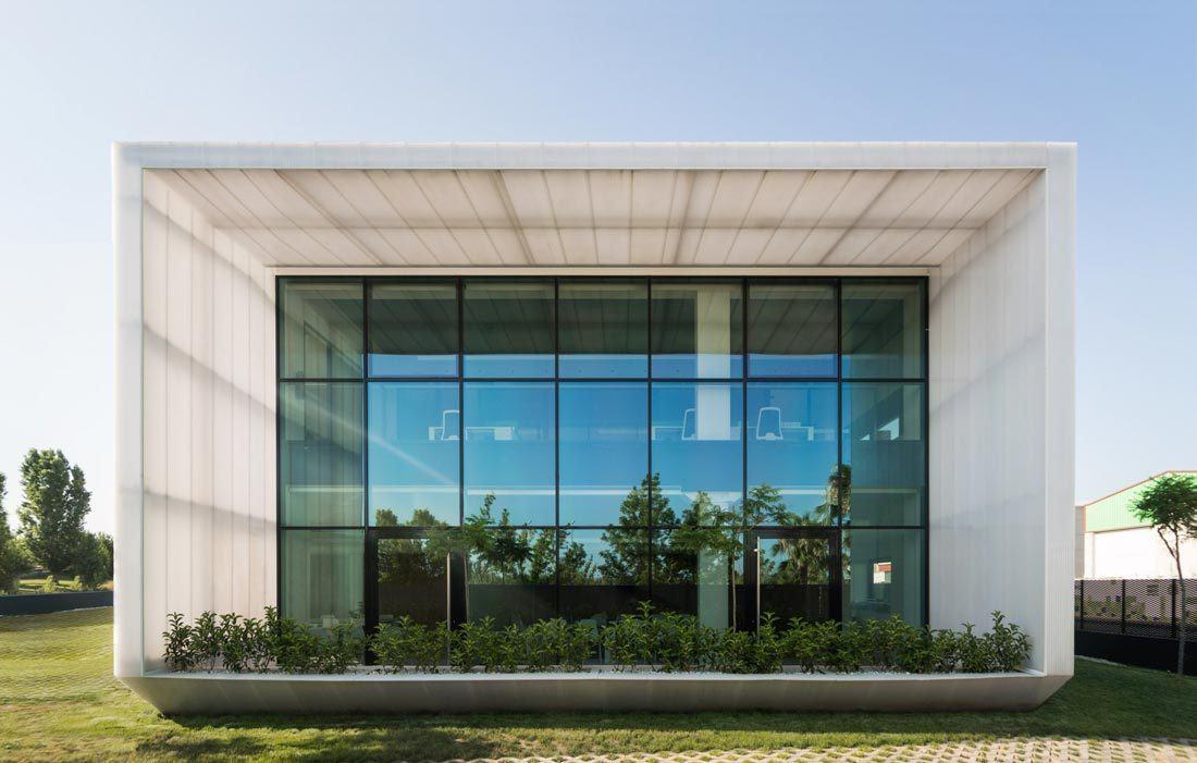 Lateral fachada edificio Idai Nature