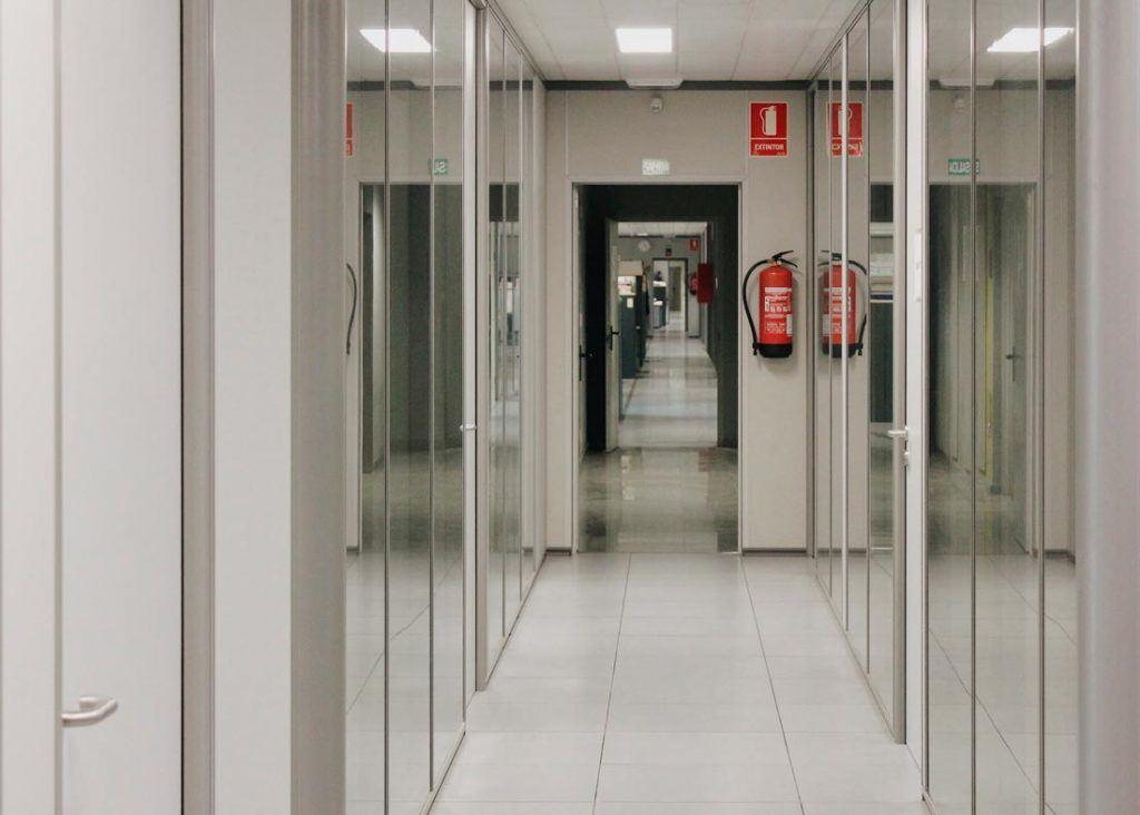 pasillos mampara vidrio juzgados valencia 2