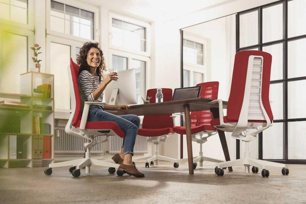 sillas ergonómicas mejoran nuestra salud