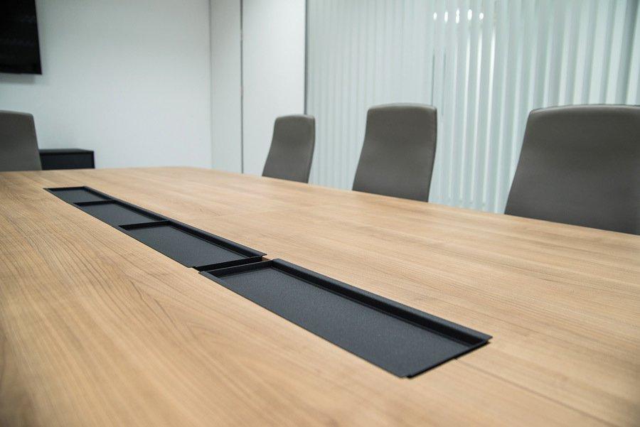 Detalle mesa de juntas Palbox Holding