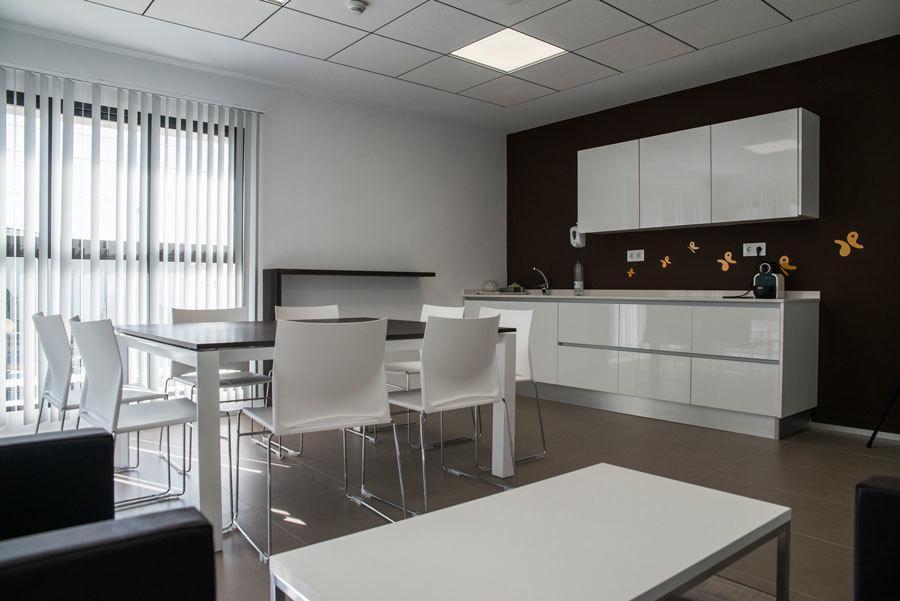 office instalaciones Emuca por Ofival