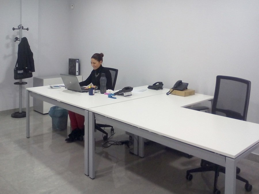 Grupo andr meda ofival mobiliario de oficina for Mesas y sillas para oficina