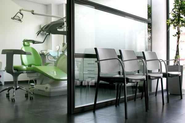 Mobiliario para consultas médicas