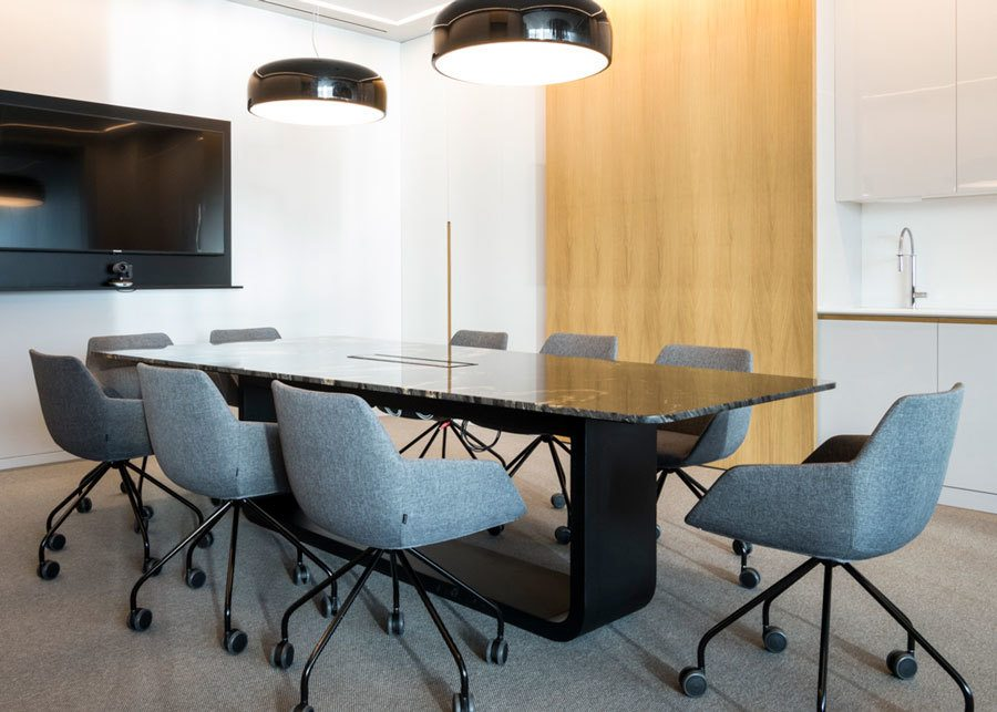 Autis Ingenieros sala reuniones butaca gris