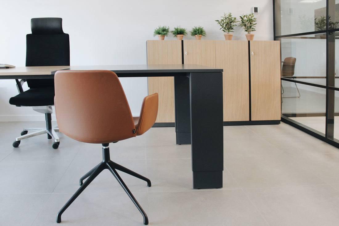 Nuevas oficinas de cerd group equipamiento de mobiliario for Silla unnia inclass