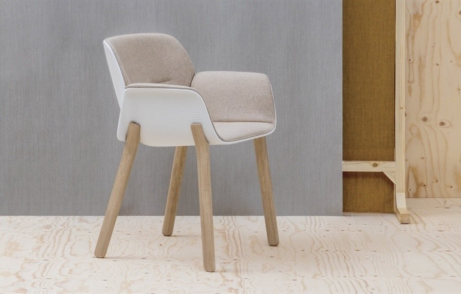 Red Dot Design Award 2018 Andreu World Silla Nuez