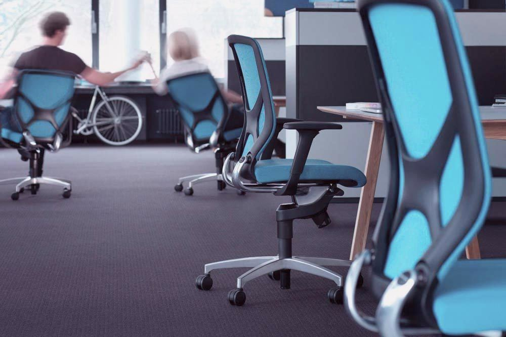 Buena silla de oficina para combatir la astenia