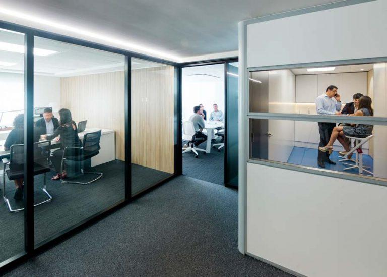 mampara-espai-ofival-showroom