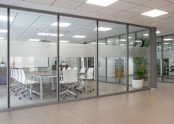 Mampara de oficina en valencia ofival equipamiento de for Mamparas de vidrio para oficinas