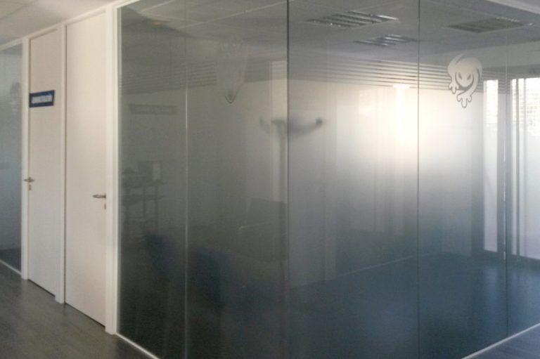 Mampara vidrio oculto