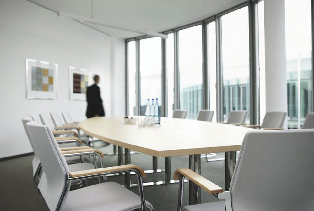 equipar sala de reuniones
