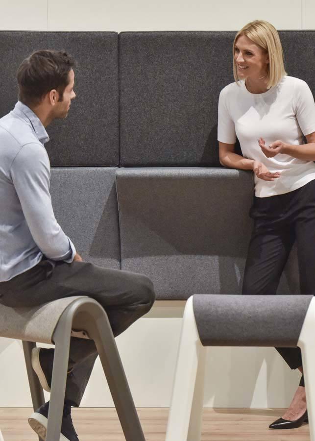 sillas y taburetes orgatec