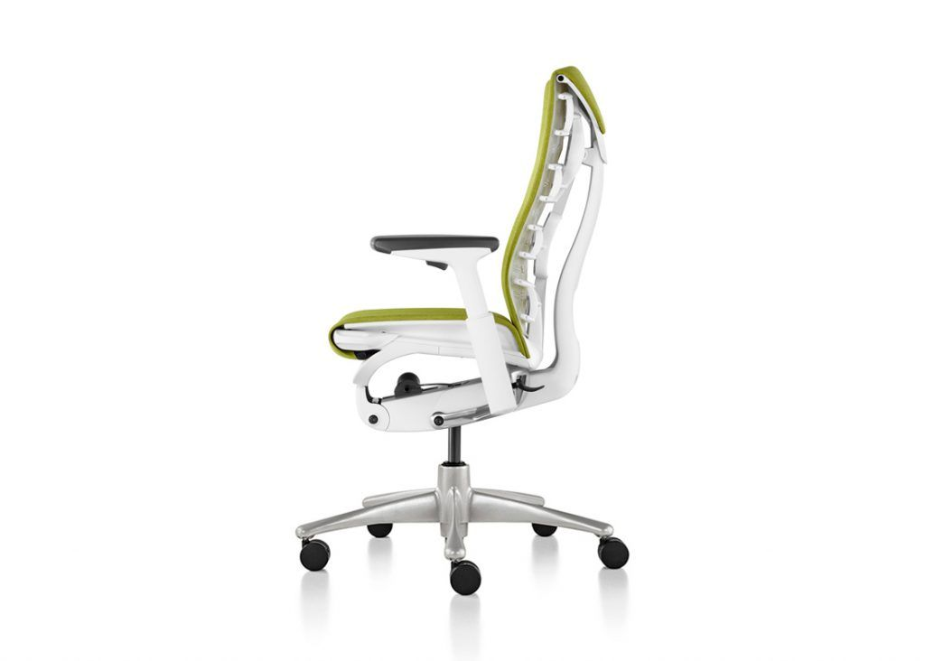 Silla Embody lateral