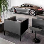 Sala de espera Porsche Valencia con Sofá Raglan