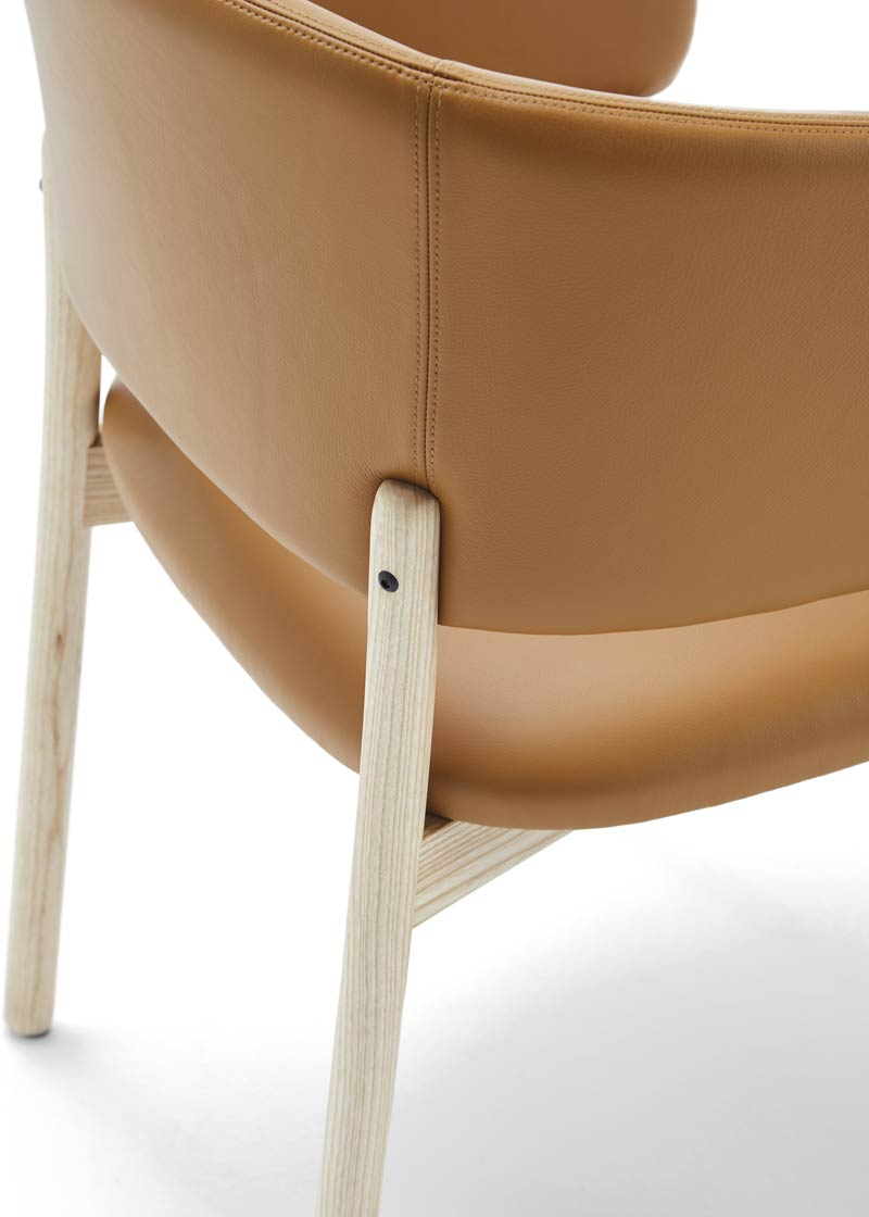 silla con brazos rc wood detalle respaldo