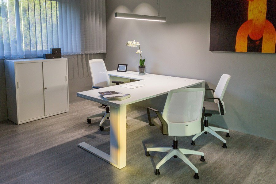 Silla buddyis3 270b ofival eshop for Outlet mobiliario oficina